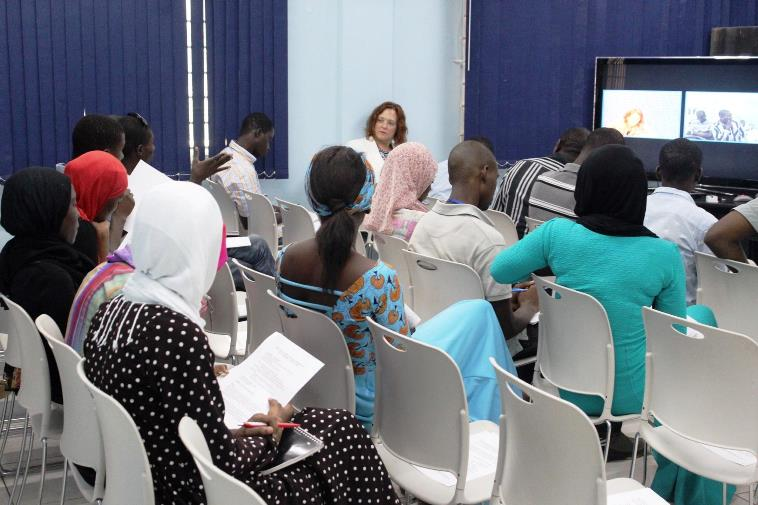Public diplomacy section trains journalists in best for Consul best practices